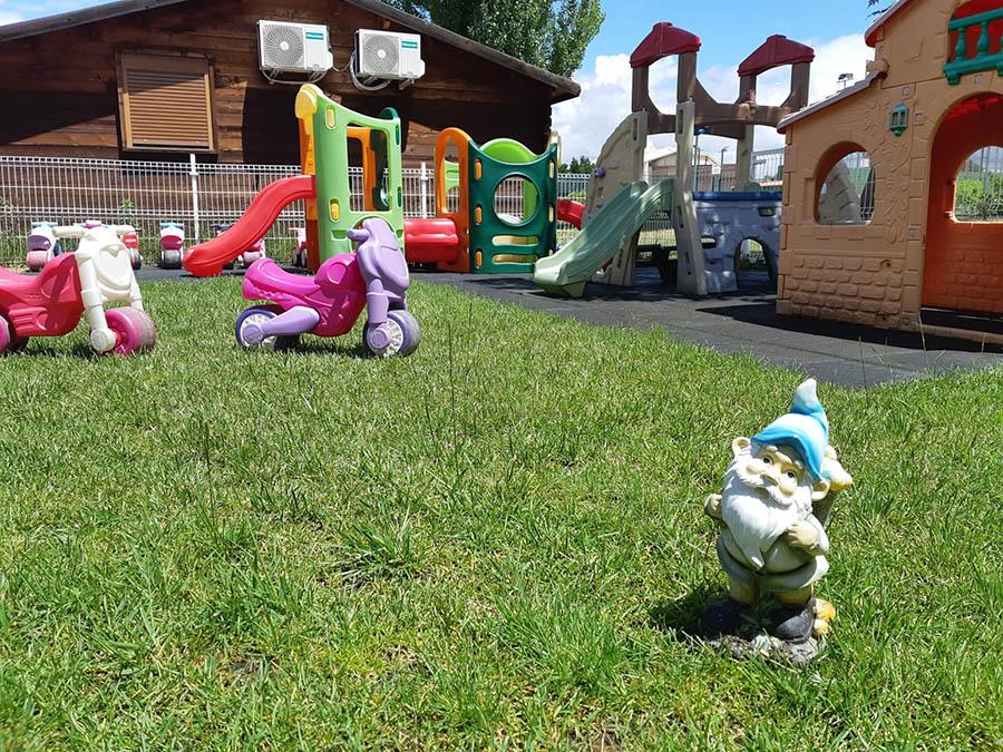 Jardines y arenero - Escuela Infantil Pequeños Astronautas